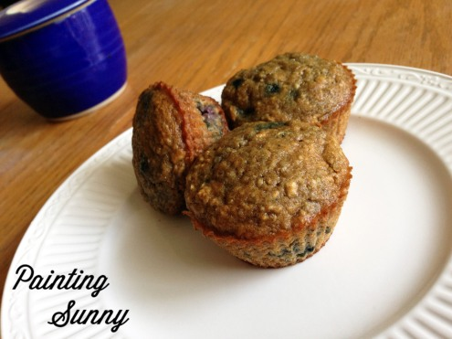 Read & Eat: Blueberry Oatmeal Muffins & The Next Best Thing by Jennifer Weiner | Painting Sunny